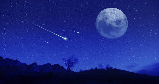 Sternschnuppen-Nacht-Mond-iStock_image_660